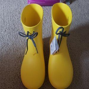 Crocs yellow rainboots